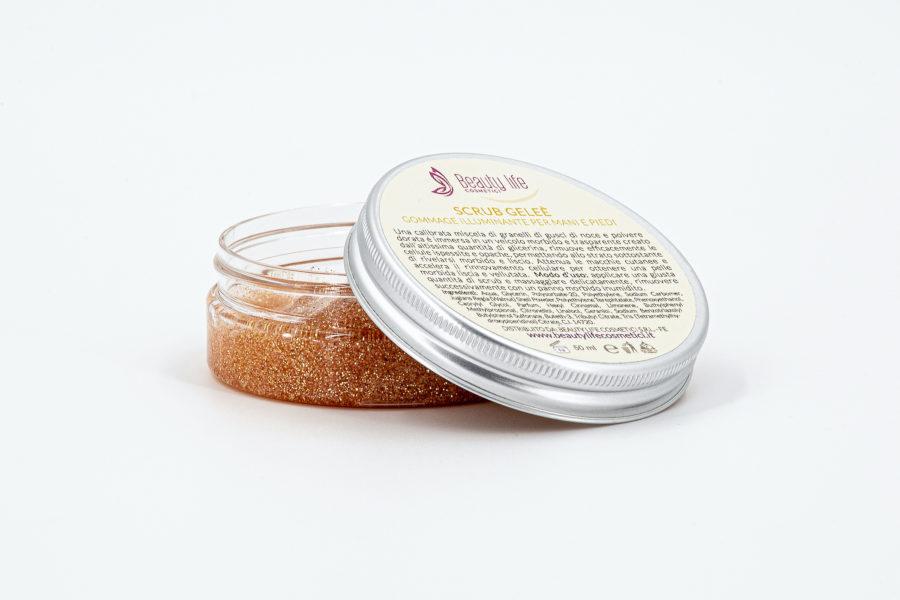 Per un viso acqua e sapone splendido il rituale scrub Beauty Life Cosmetici