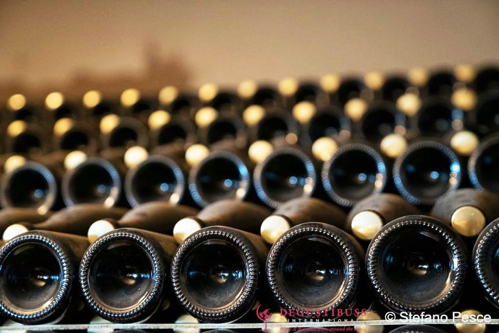 Il vino è un prodotto dall'alto valore di fascino.
